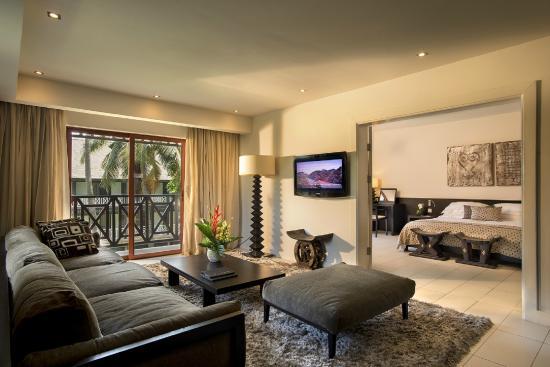labadi-beach-hotel suite