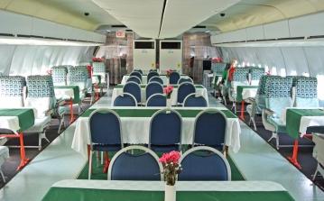 DC 10 La-Tante-Dining-Room